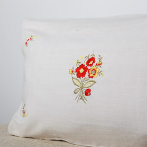 white-pillowcase-with-flowers-embroidery